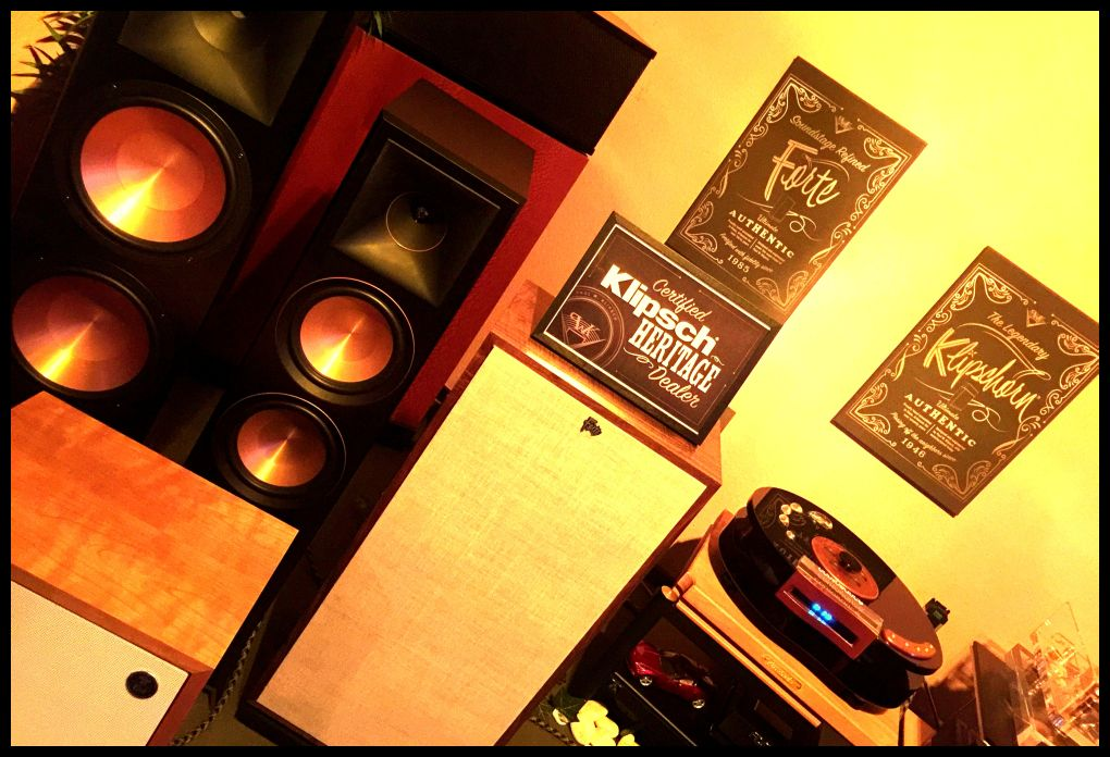 Klipsch Forte III , California black walnut + selected units + drivers + networks + selected lambswool grille , perfect matched pairs , Klipschorn , Klipsch Reference MK3 RF7 , Klipsch Reference Premiere RP8000F , perfect mit Transrotor - OperaAudio - Viablue - Lovan , Klipsch Heresy Capitol Limited Edition ... pic aus Room 2 von 3 Demoräumen .... Werner Enge / 05068 / 3031 / phone .